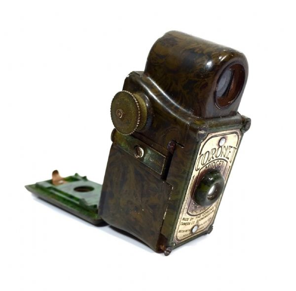 Antique Coronet Midget / Miniature 16MM Camera Olive Green / Bakelite / Art Deco